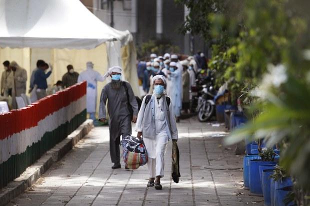 200403-IN-muslim-pilgrims-1000.jpg