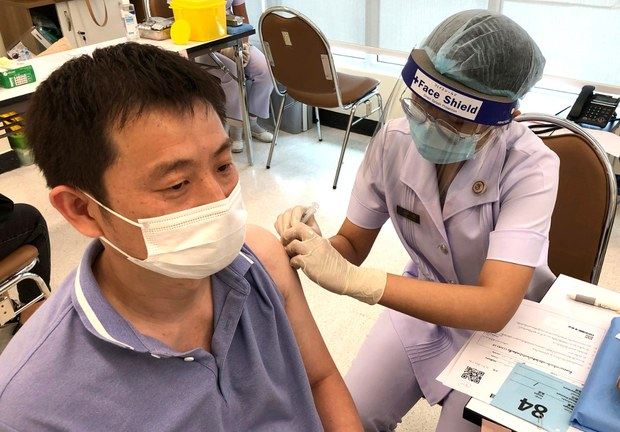 สธ. เปิดศูนย์ฉีดวัคซีนโควิด-19 คนจีนกว่า 1 แสนคน ในประเทศไทย