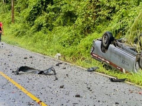 รถยนต์ตำรวจที่โดนระเบิด บนถนนสายศรีสาคร–จะแนะ ต.ช้างเผือก อำเภอจะแนะ จังหวัดนราธิวาส ทำให้เจ้าหน้าที่ตำรวจเสียชีวิต 2 นาย วันที่ 28 กันยายน 2564