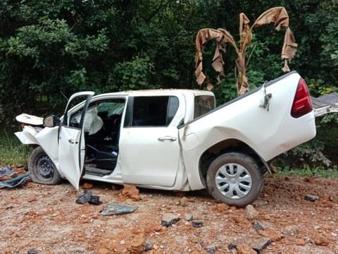 สภาพรถกระบะของเจ้าหน้าที่ตำรวจชุดสืบสวน สภ.ศรีสาคร โดนระเบิดบนถนน ในหมู่บ้านไอร์กาแซ ต.ศรีสาคร อ.ศรีสาคร จ.นราธิวาส วันที่ 31 มกราคม 2564